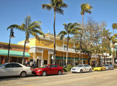 Historic 5th Ave Shopping District In Naples, Florida
