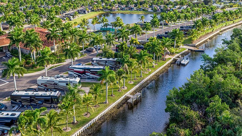 Naples Motorcoach Resort   Luxury Motorcoach Resort in Naples, Florida